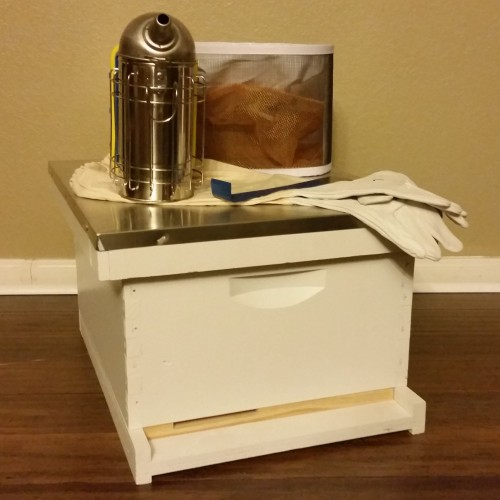 BZ Honey - This starter kit has everything you need to get started with your first hive of honey bees.